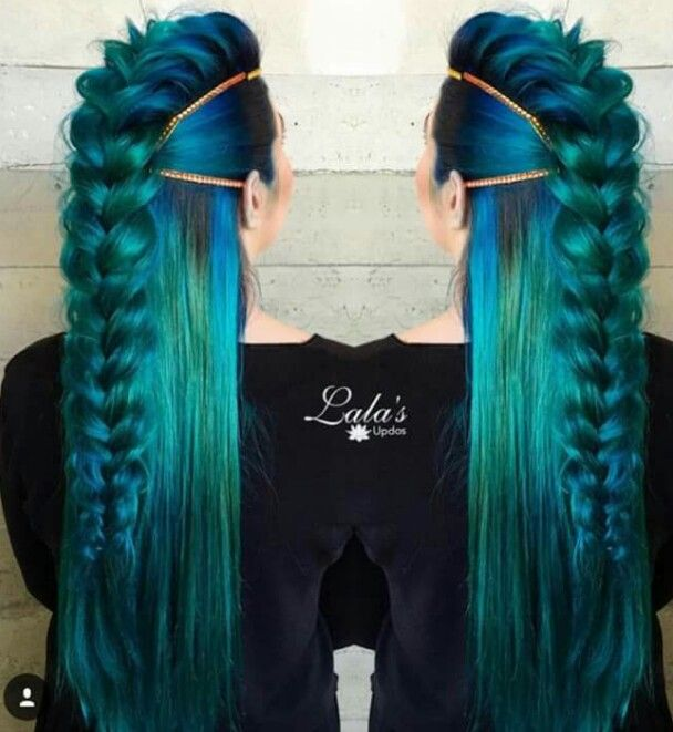 This style is pretty awesome and I love those colors!
