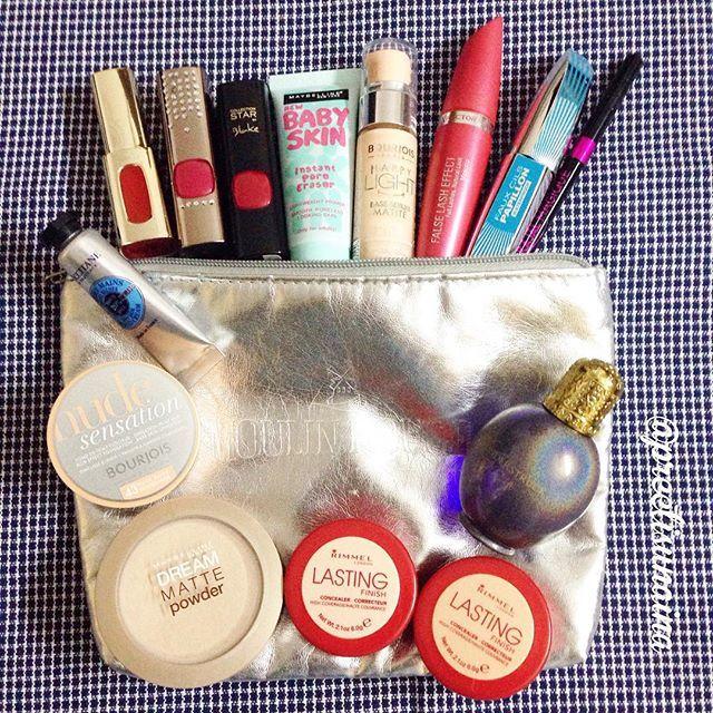 What I carry in my make-up bag - all favourites  #WhatsInYourBag @lorealparisin #preetisunaina