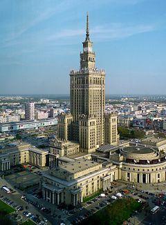 ポートランド首都ワルシャワにある摩天楼。「文化科学宮殿」ポーランド 観光・旅行おすすめのスポット!