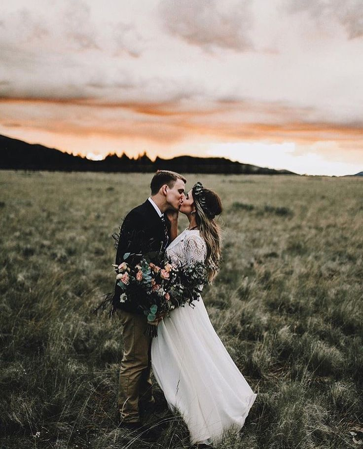 Wedding Photography Pose List: Best 20+ Posing Couples Ideas On Pinterest