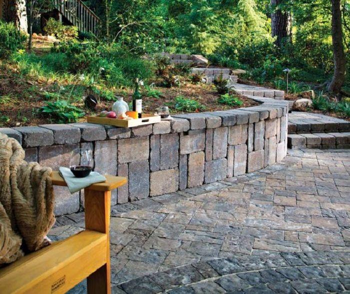 Красивое оформление двора кирпичной кладкой, то что станет отличным вариантом…