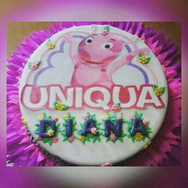 Torta Uniqua, Niñas