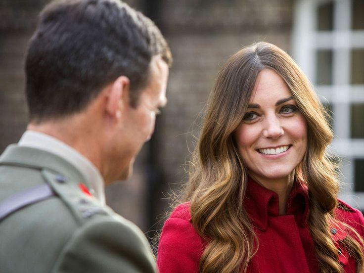 Kate meeting staff and volunteer of The Royal British Legion's London Poppy Day Appeal