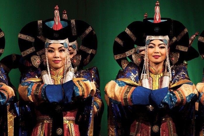 Danza,compagnia Mongolia al Carlo Felice - Liguria - ANSA.it