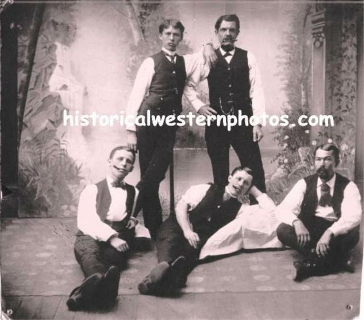 historical western photos - DOC HOLLIDAY WITH THE EARP BROTHERS