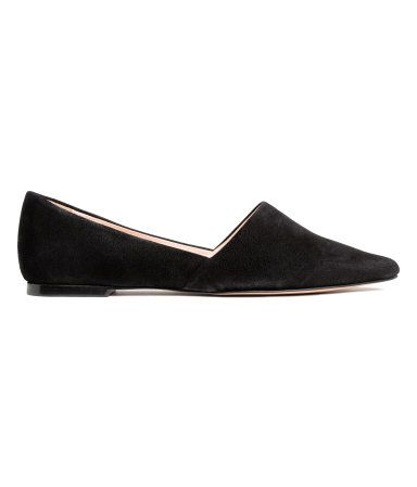 Black. PREMIUM QUALITY. Suede flats with pointed toes. Leather lining, leather insoles, and rubber soles.