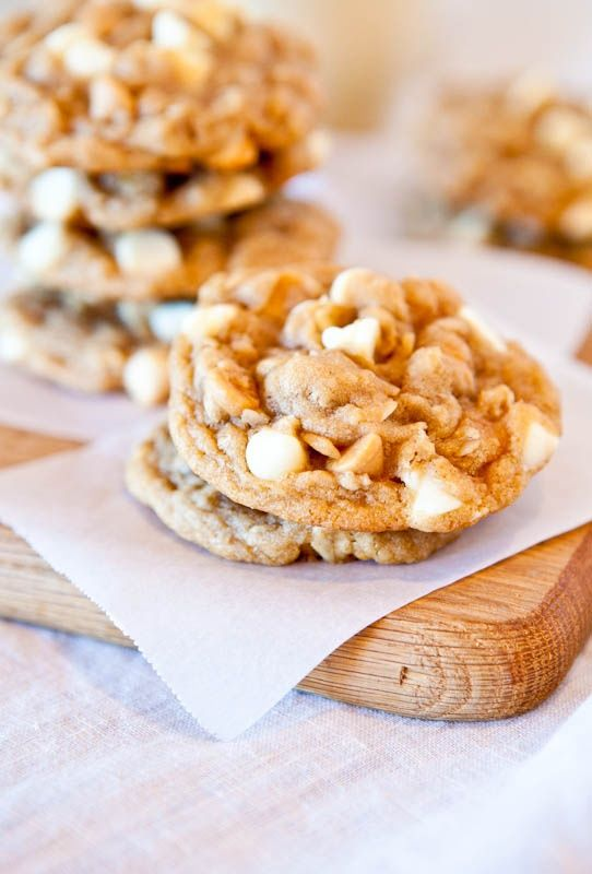 Peanut butter oatmeal white chocolate chip cookiesOatmeal Cookies, Butter White, White Chocolates, Chocolates Chips, Oatmeal White, Butter Oatmeal, Chocolates Cookies, Peanut Butter, Chips Oatmeal