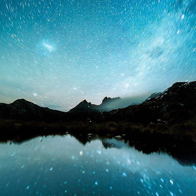 A different, star-filled take on one of Tassie's most iconic views - an incredible long-exposure shot of an evening of star trails above the jagged peaks of Cradle Mountain. Photographer @timclark1 captured this stunner on the edge of Dove Lake, near the start of the two-hour circuit walk.