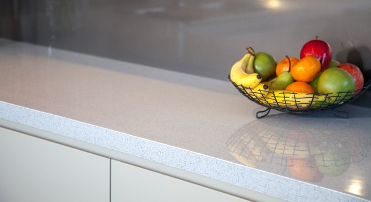 Benchtop in Laminex DiamondGloss Pure Mineralstone.