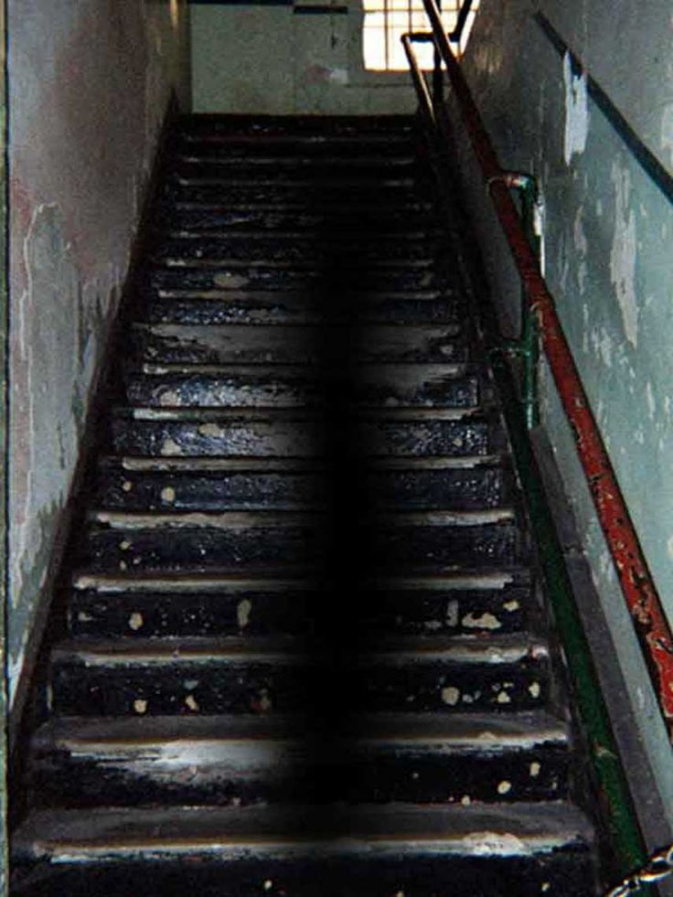 Alcatraz Ghosts: This reported as real Ghost Photo was sent to us by Glenn Shelton. He believes he has captured a real Alcatraz Ghost on film. Shelton says he believes this proves that Alcatraz is the Most Haunted Federal Prison In the world.