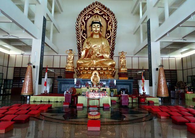 Travel & Lifestyle Diaries: The Avalokitesvara Graha Temple (Guan Yin Temple) in Bintan, Indonesia