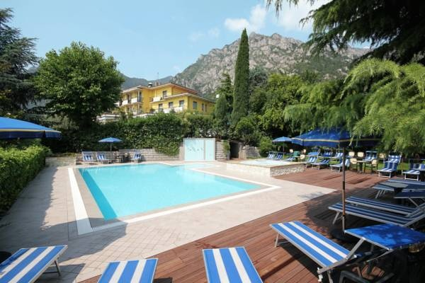 Hotel Limone - Limone sul Garda ... Garda Lake, Lago di Garda, Gardasee, Lake Garda, Lac de Garde, Gardameer, Gardasøen, Jezioro Garda, Gardské Jezero, אגם גארדה, Озеро Гарда ... Welcome to Hotel Limone  Limone sul Garda, Hotel Limone offers an outdoor pool with hydro-massage and views over Lake Garda. All rooms have a balcony, some with lake views, and there is free on-site parking. Rooms at the Limone Hotel are equipped with satellite TV and priva