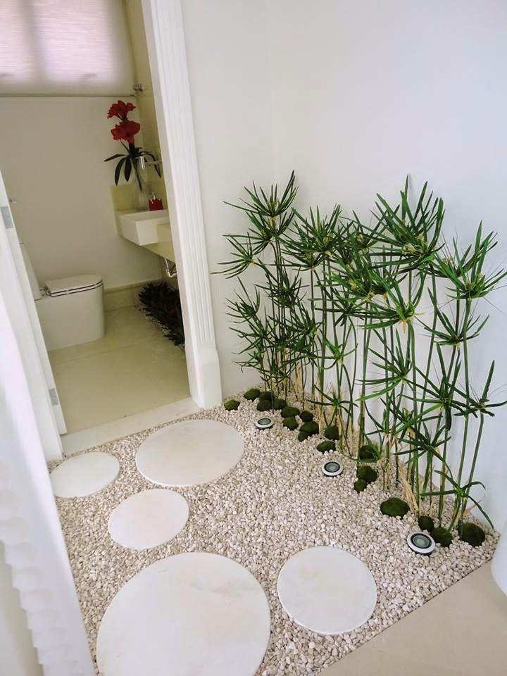 Imagens de banheiros com jardim de inverno : Jardim de inverno permanente com plantas artificiais