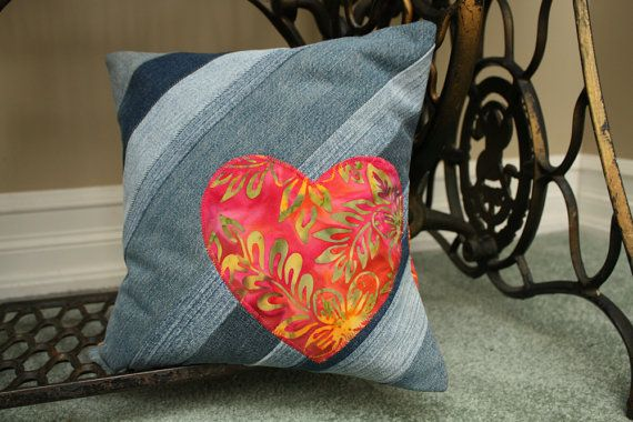 Brighten up your space with this beautiful cushion cover made of recycled denim.
