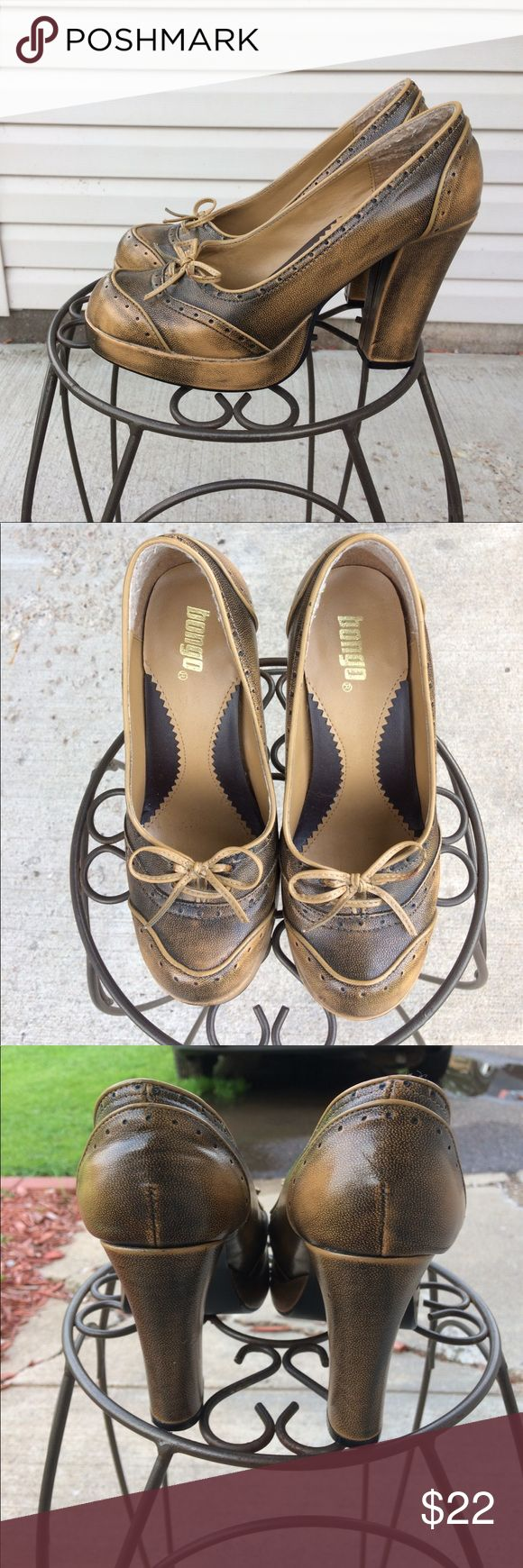 "Bongo Ladies Shoes These are Bongo brand ladies heels. Size 7, fits true to size. Faux leather upper with a 4"" heel. These are in EUC with no visible flaws. Great for the autumn season. Comes from a smoke free home. Please ask if you have any questions! BONGO Shoes Heels"