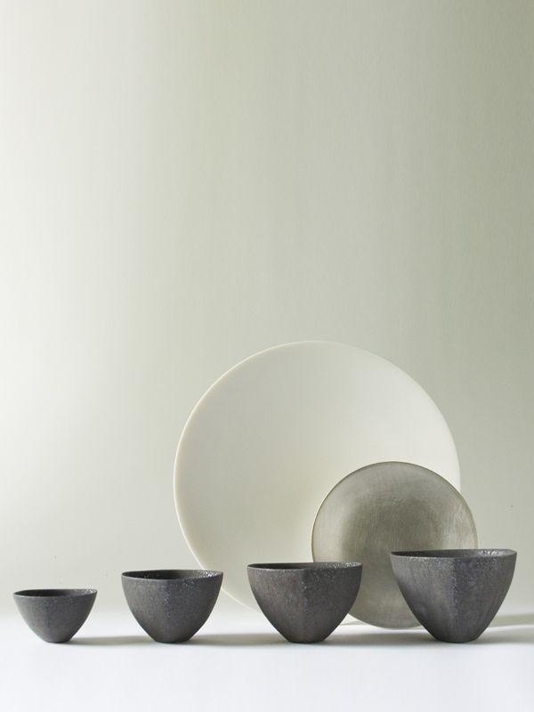 Black Triangle Bowl M - RYOTA AOKI POTTERY ONLINE STORE