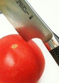 柔らかいトマトの切り方♪(薄く切る方法)  クックパッド