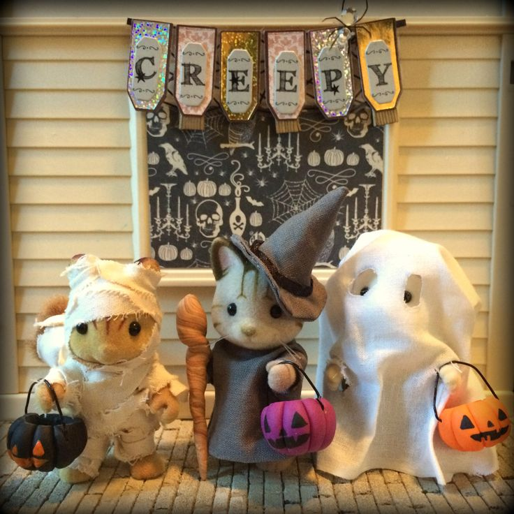 miniature halloween costumes and treat basket tutorials