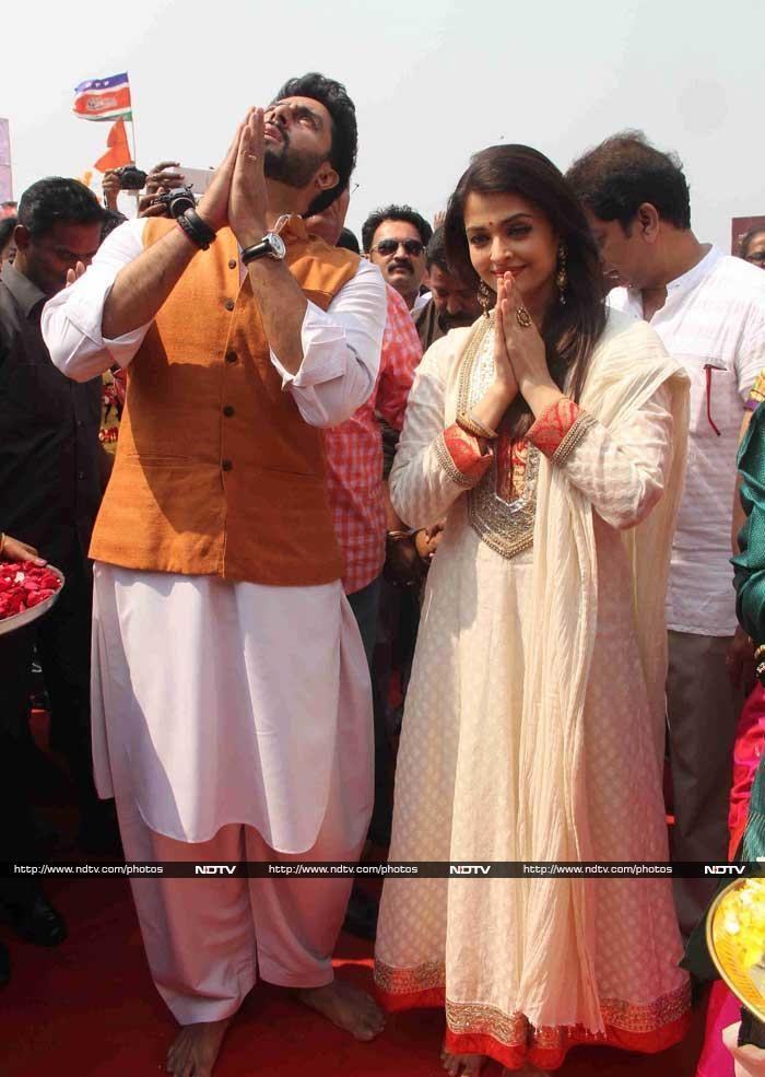 Abhishek, Aishwarya Celebrate Gudi Padwa - https://twitter.com/desaikillol/status/584570633956286464