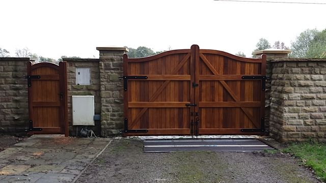 Wooden automated gate at Chesterfield