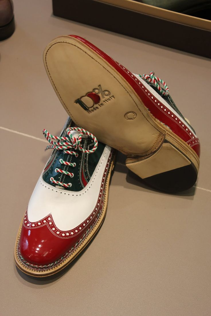 """""""Scarpe tricolori"""", entirely hand-made in Montegranaro (Italy) by master craftsman shoemaker Doriano Marcucci. Something truly unique and original to celebrate 150th anniversary of Italy's unification. The green-white-red shoes were given as a gift to Italian President Giorgio Napolitano."""