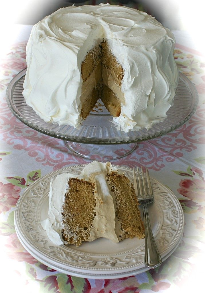 Old-Fashioned Root Beer Float Cake with Creamy Root Beer Float Mousse Filling