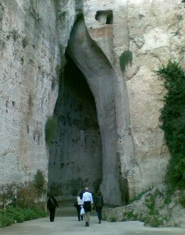The Ear of Dionysus in Siracusa, Sicily. It's also in the same set of ruins as the Theatre of Sircusa.  #siracusa