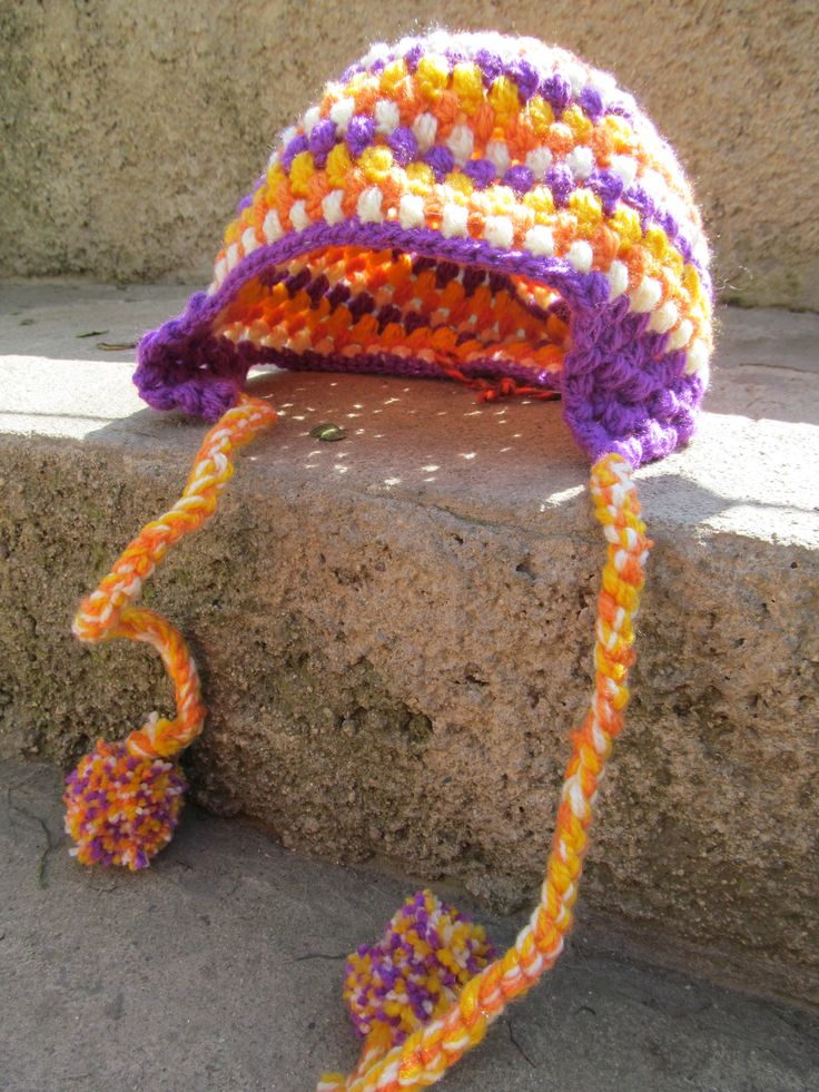 Gorrito de alegres colores tejido a crochet!