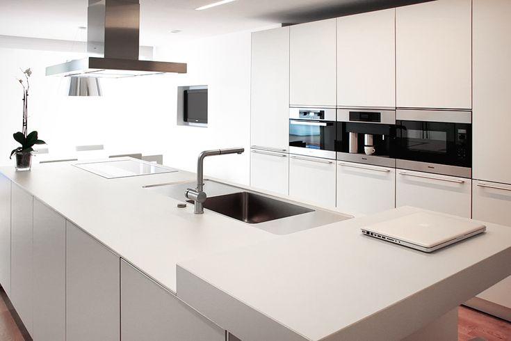 M s de 25 ideas incre bles sobre cocina con isla central for Cocinas modernas con isla central