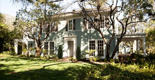 1341 Skywood Circle  Altadena, CA    A rare 1922 Wallace Neff Two-Story Colonial sits on over 18,000 sf lot with pool and detached garage. First floor maid's bedroom/ bath, formal dining,  sunroom, breakfast nook. A center hall staircase leads to four bedrooms + two baths upstairs.