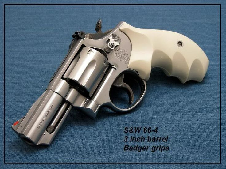 "S&W 66-4 3"" barrel with Badger Grips"