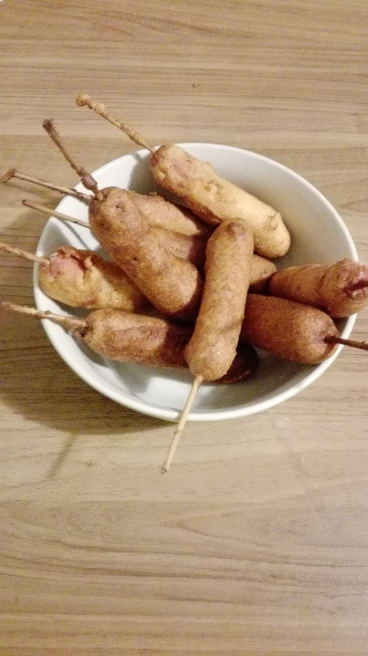 Corn dog ovvero i wurstel fritti in pastella