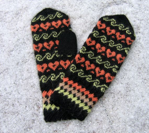 Hand knitted mittens. Wool mittens. Black green by TiiuHandCraft