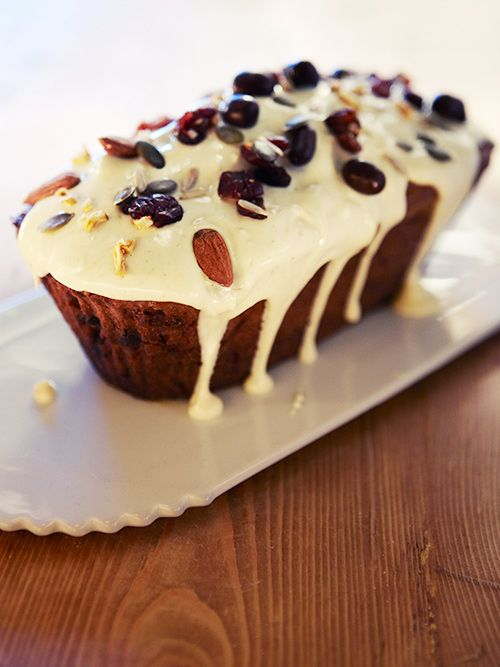 gingerbread with dates, nuts and white chocolate