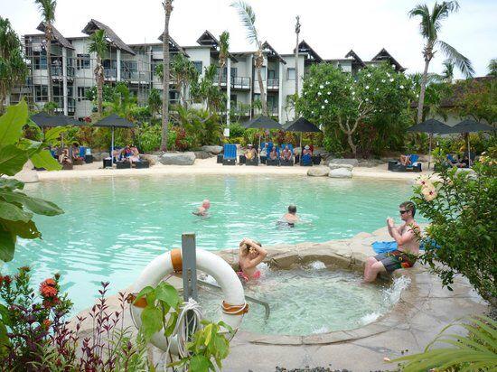 Image from http://media-cdn.tripadvisor.com/media/photo-s/03/f4/cf/d2/radisson-blu-resort-fiji.jpg.