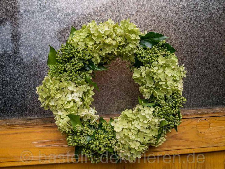 2901 best floral wreaths images on pinterest spring wreaths summer wreath and front doors. Black Bedroom Furniture Sets. Home Design Ideas