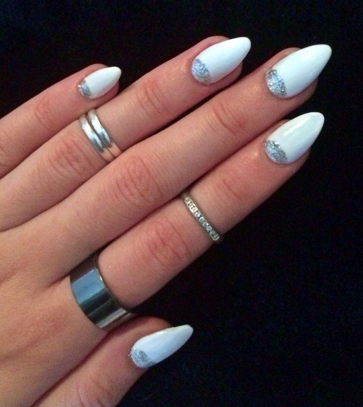 Nail Polish Ka Design Dikhaye: White Long Almond Shaped Nails With Silver Half Moon