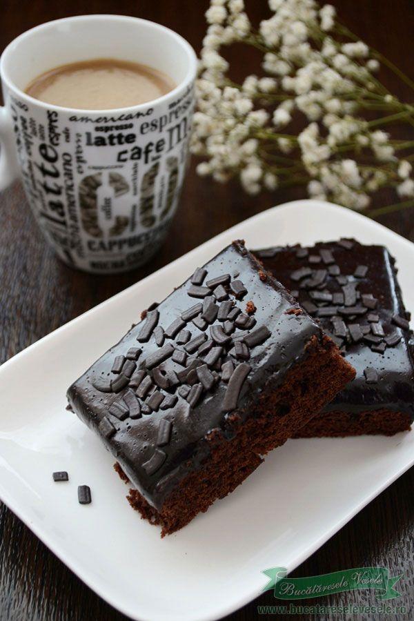 Negresa reteta de prajituri.Ingrediente prajitura negresa Cum se face prajitura negresa.Brownie reteta de prajituri.Prajitura glazurata