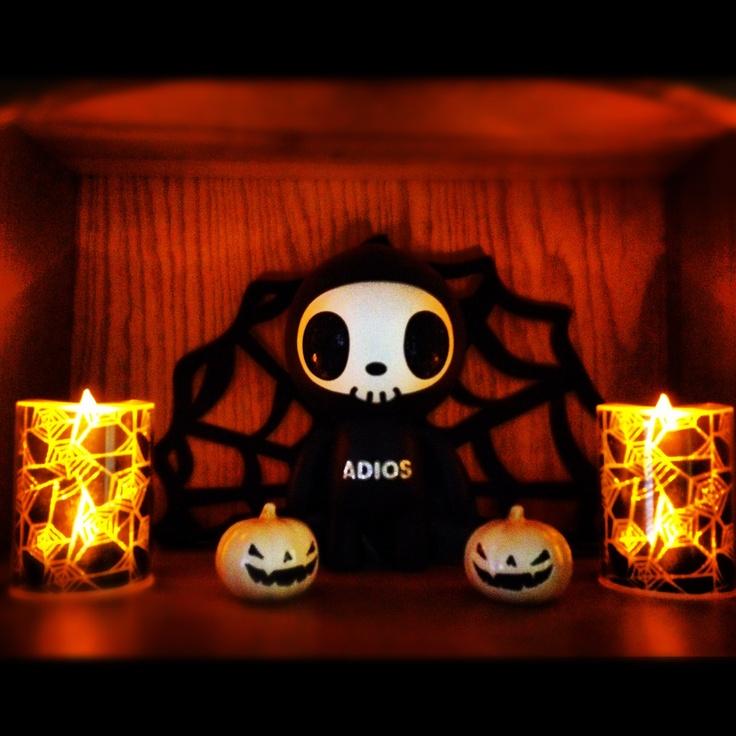 Tokidoki Halloween display