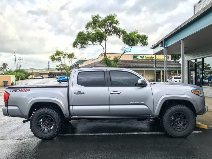 Lifted '16 truck Toyota trd, trd