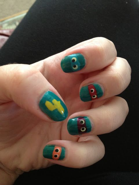 KARLEY!!! If I do a TMNT party you HAAVE to do this to your nails!!
