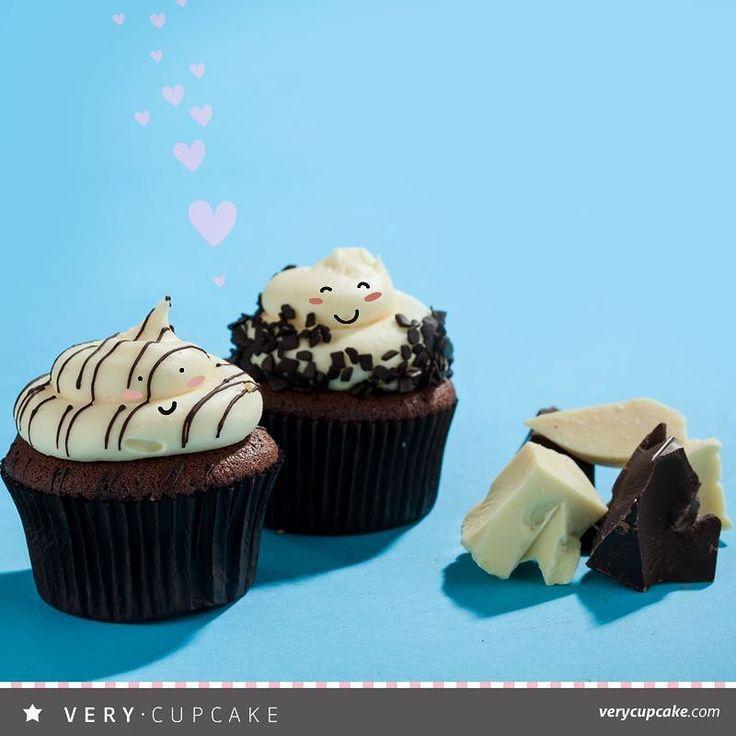 Black and White ve Karaorman süper ikili!   #blackwhitecupcake #Karaormancupcake #blackforrestcupcake #VeryCupcake #banana #bananamousse #peanutbutterbananacookie  #muzlumagnolia #cupcakeankara #instacupcake #instasweet #inspired #sogood #tasty #desserts #madewithlove #tunali #cepa #bilkent #bahcelievler #gordion #alsancak #alacati #altınoran