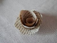 A tutorial on how to make paper book flowers www.thereadingresidence.com
