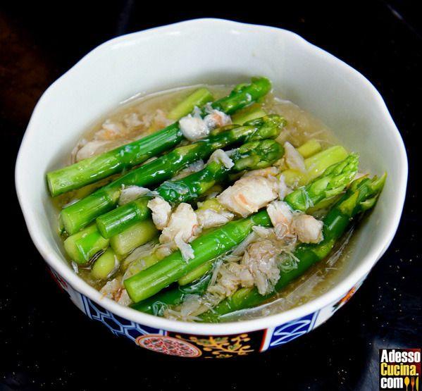 Zuppa di granchio e asparagi