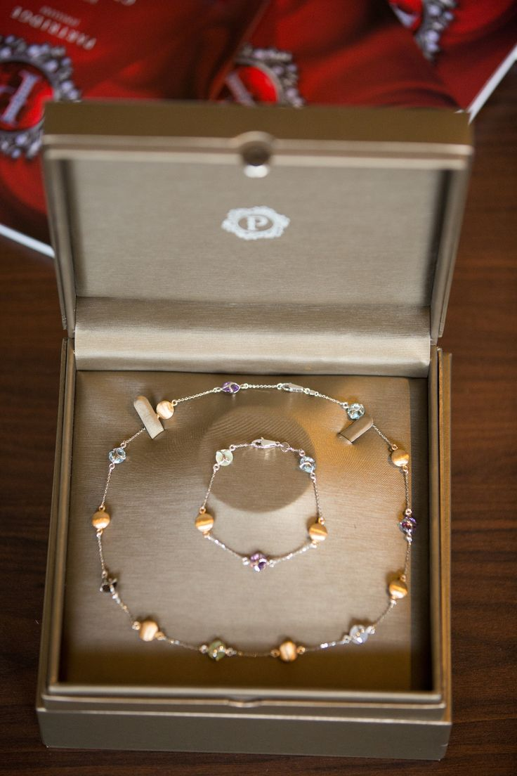 Exquisite necklace and bracelet set donated by Partridge Jewellers for a raffle to raise money for Look Good Feel Better, Wairakei Golf + Sanctuary.  Photographer - Martyn Davies.