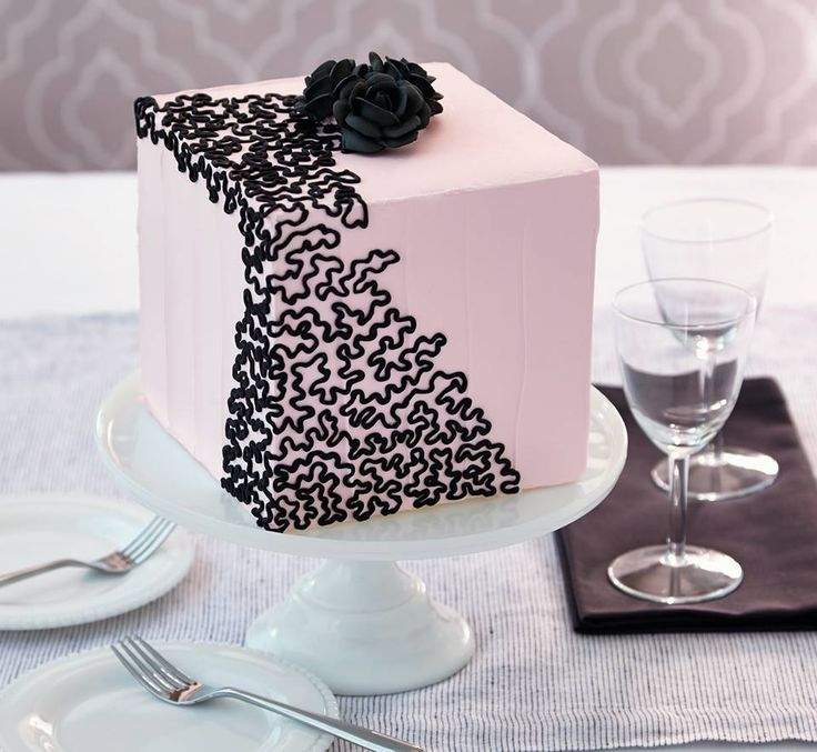 have you ever wanted to try advanced piping techniques like cornelli lace if so wilton cake