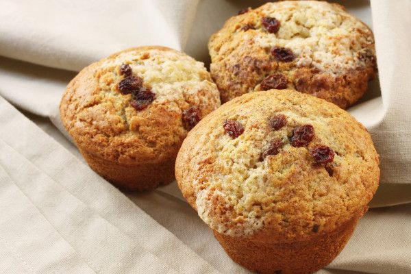 Apple, raisin and banana muffins via MyFamily.kiwi