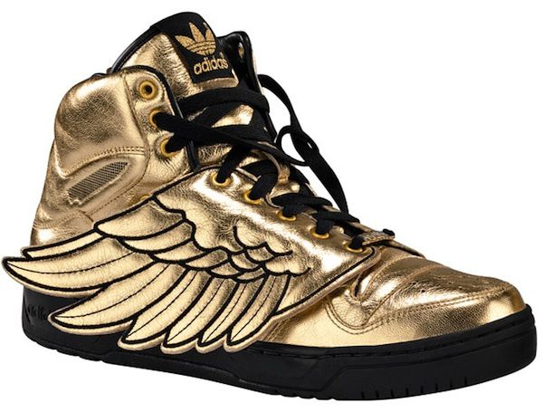 What an idea of Adidas wing shoes, Fly yourself with these beautiful,  stylish and unique Adidas shoes with wings. They look really cool on both  teenage boys ...