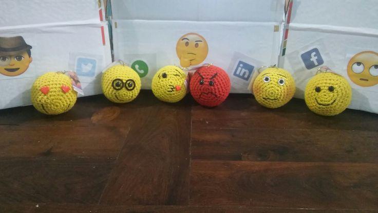 Emoticones crochet llaveros