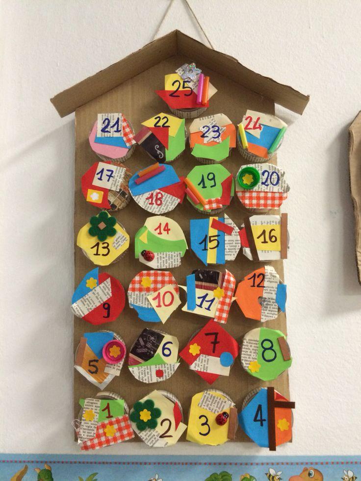 Calendario dell'avvento.  Scatole dei formaggini riciclate